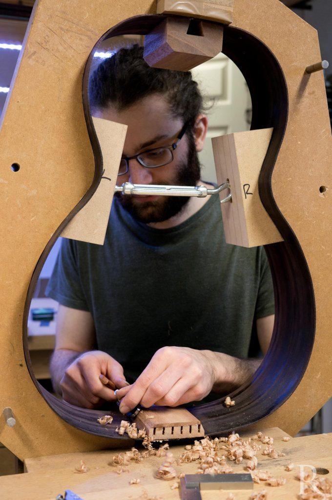 shaping end block guitar